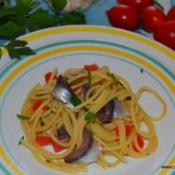 spaghetti e alici di menaica